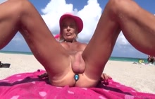 Mature shemale flashing in public